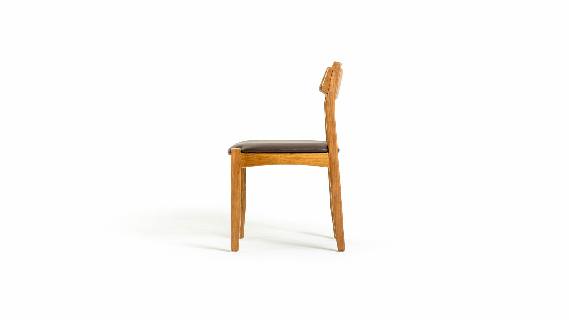 Nikolas Chair