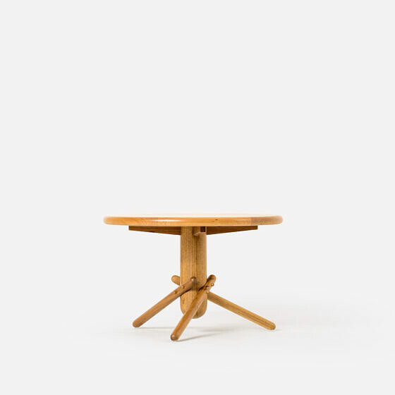 Short Coringa Table